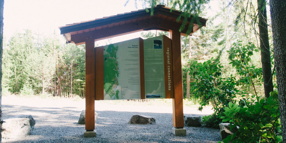 Scott Signs » Mt Benson Trailhead Kiosk